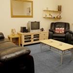 11-hathersage-rd-lounge1
