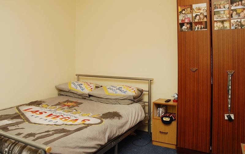 12-argyle-ave-bedroom2