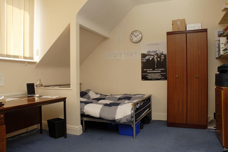 12-argyle-ave-bedroom7