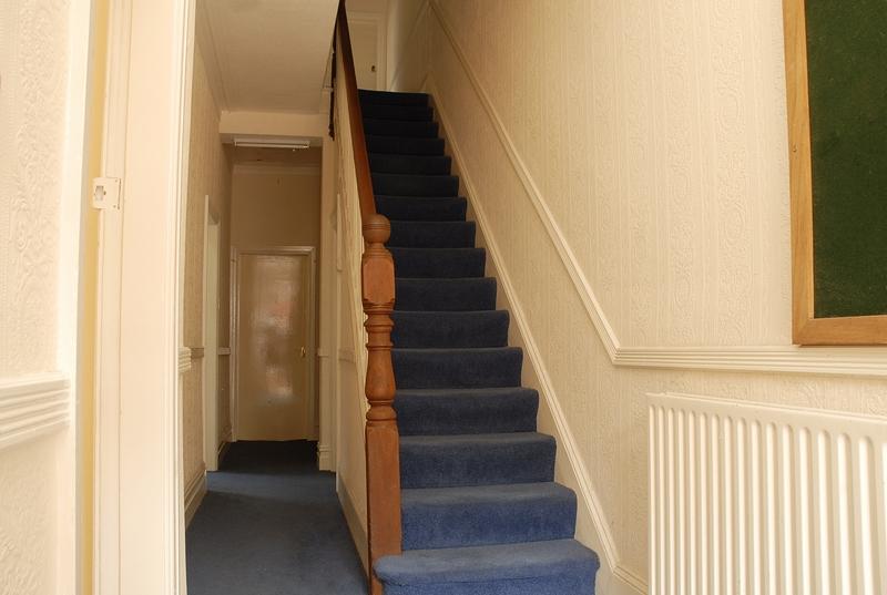 12-argyle-ave-ground-floor-hallway1