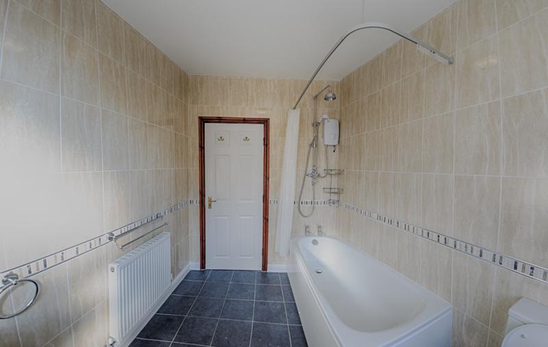 130 Dickenson Rd Bathroom-5