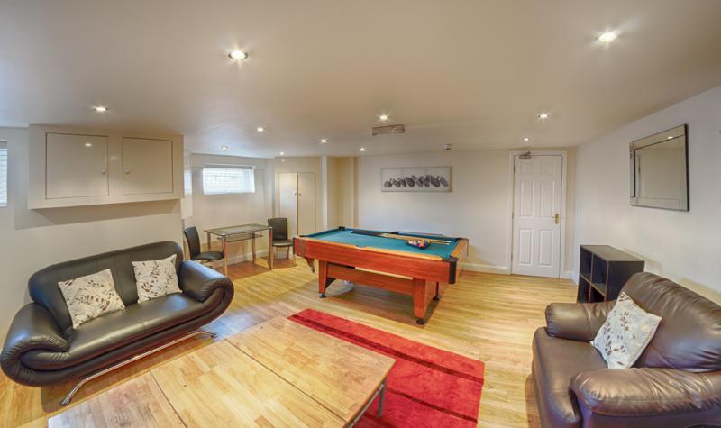 130 Dickenson Rd Lounge-2