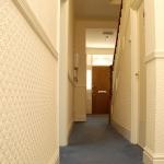 14-argyle-ave-hallway