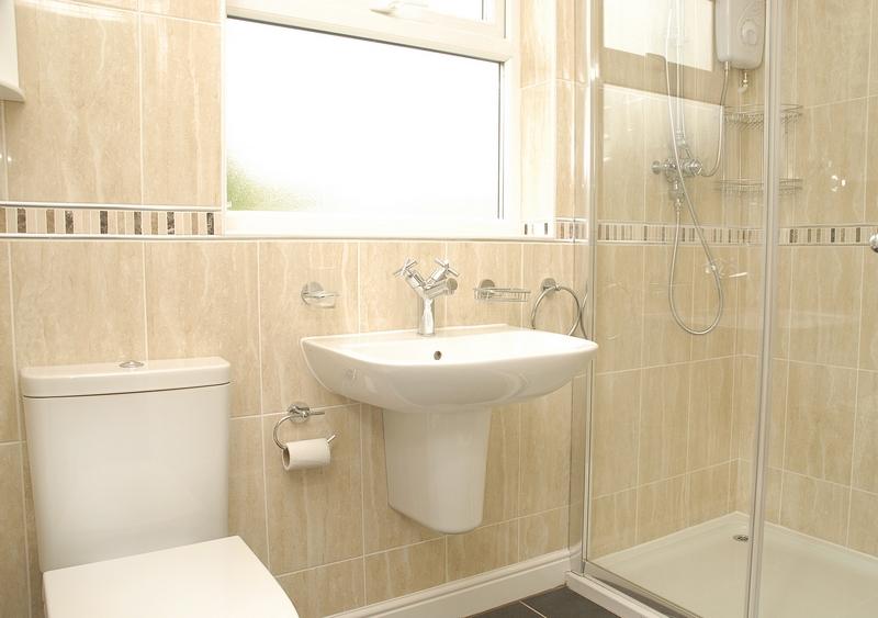 15-eston-st-bathroom