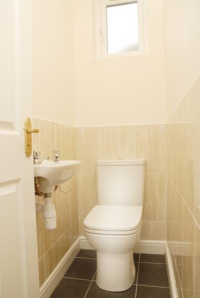 15-eston-st-toilet