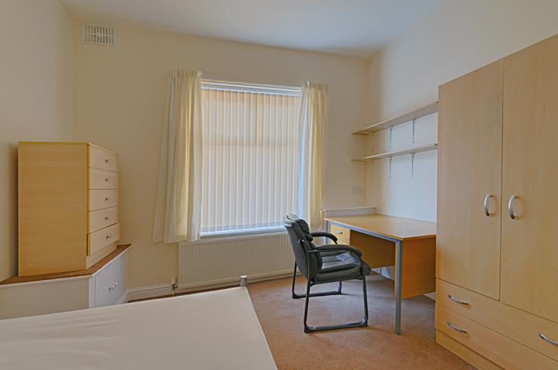 15 Welby St Bedroom 1 (3)