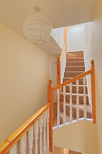 15 Welby St Hallway (2)