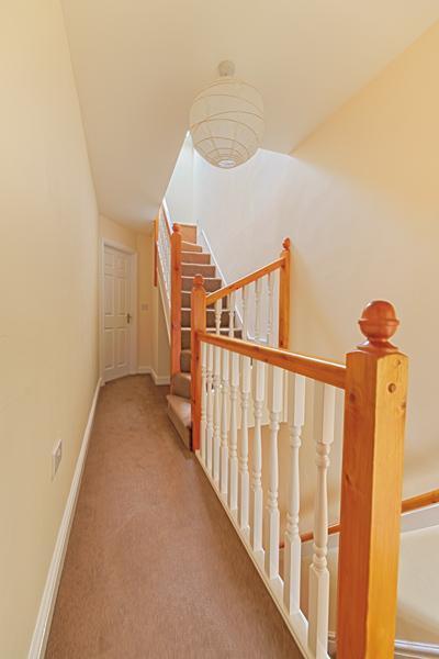 15 Welby St Hallway (3)
