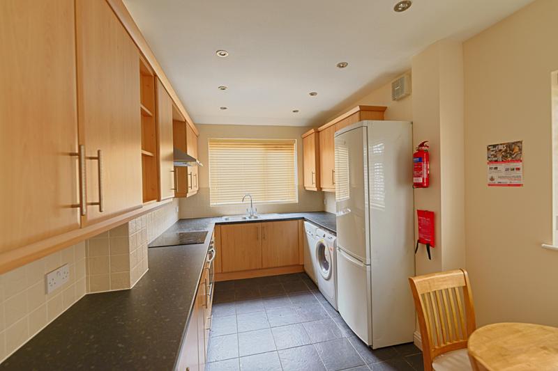 15 Welby St Kitchen (4)