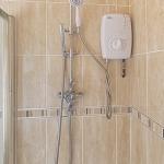 15 Welby St Bathroom (4)