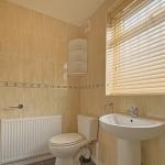 15 Welby St Bathroom (5)