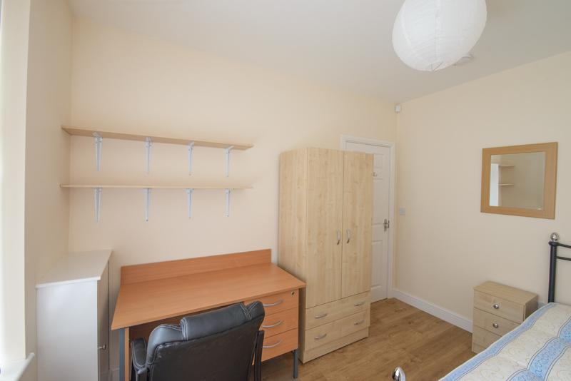 Bedroom 1 - 02