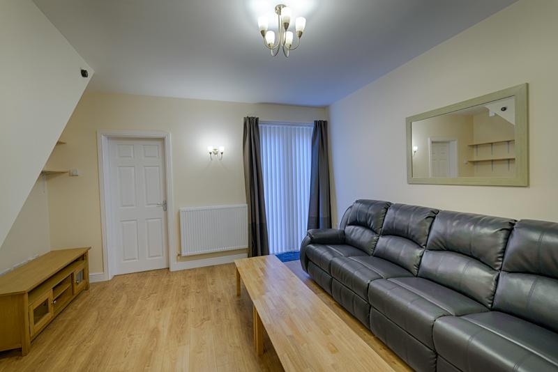 Living Room - 10