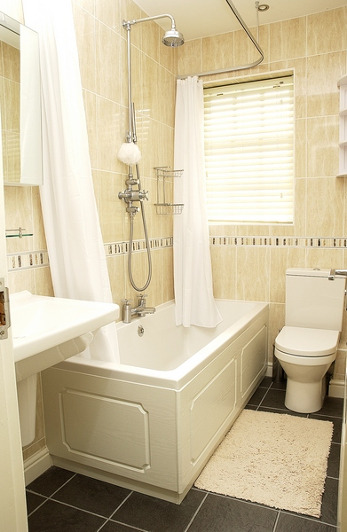 2-tait-mews-bathroom-2