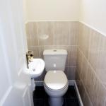 3-denham-st-toilet