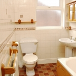 31-hathersage-rd-bathroom