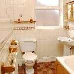 31-hathersage-rd-bathroom