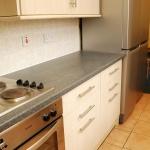 31-hathersage-rd-kitchen-1