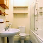 61-denison-rd-top-floor-bathroom