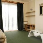 88-birchfields-rd-lounge