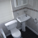 90 Ealing Ave Bathroom (2)